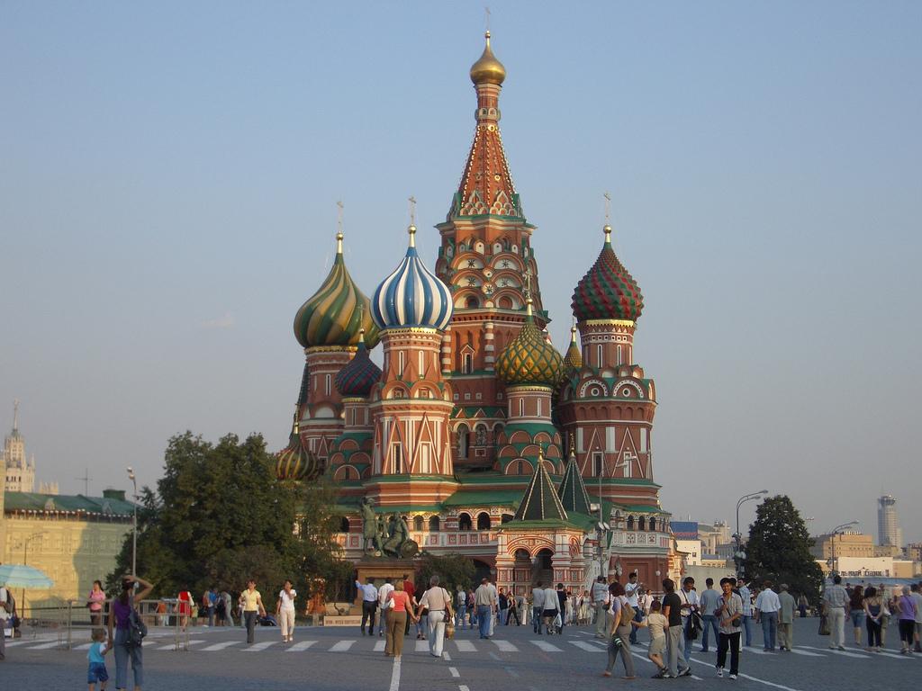 Moscú y san petersburgo. la grandeza de rusia