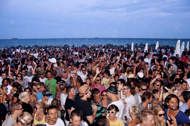 Ibiza fiesta de cierre en el post de Nautalia