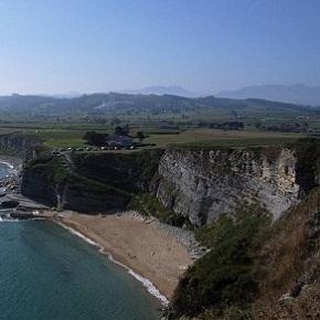 Costa de Cantabria, playas y acantilados